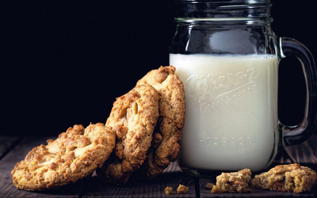 維生素B2 怎麼吃?一天兩杯牛奶加雞蛋就穩了!