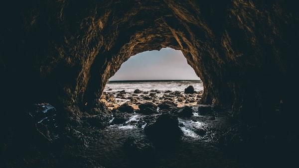 食用燕窩-海岸-洞穴